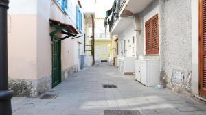 Mezza Via House - AbcAlberghi.com