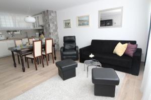 Apartments with WiFi Zagreb - 15949