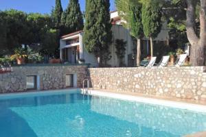 Villa fronte mare con infinity pool - AbcAlberghi.com