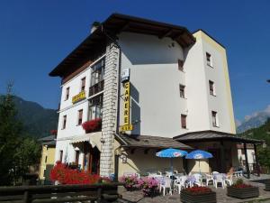 Albergo Bar Meuble Al Gallo - AbcAlberghi.com