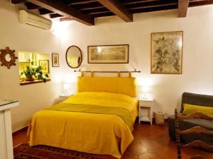 4 Piazza del Carmine - AbcAlberghi.com