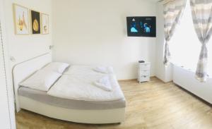 obrázek - White Apartment
