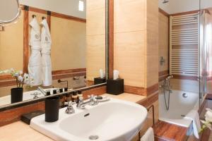 Castello di Velona Resort Thermal SPA & Winery, Hotels  Montalcino - big - 75