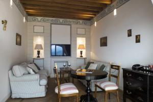 Castello di Velona Resort Thermal SPA & Winery, Hotels  Montalcino - big - 77