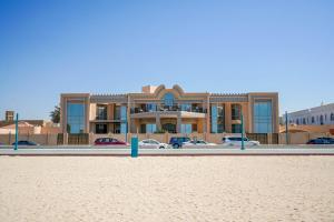 Hometown Apartments - Kite Palace - Lavish 7 Bedrooms villa on Kite Beach - Dubai