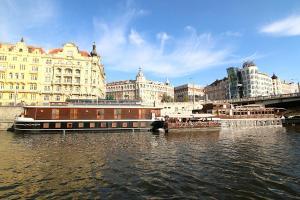Boat Hotel Matylda.  Photo 2