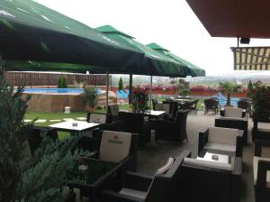 Sky Hotel, Отели  Орадя - big - 52