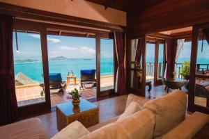 Sandalwood Luxury Villa Resort