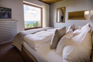 Wellness hotel V Nebi - Hotel - Korenov
