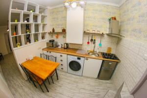Apartamento de 2 dormitorios Historical apartment in old Tbilisi