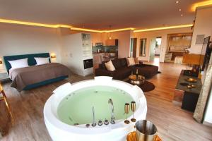 Luxus_SPA_PENTHOUSE SCHLOSSOASE _W