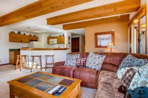 2 Br Residence With Huge, Sectional Couch Condo - Hotel - Crested Butte