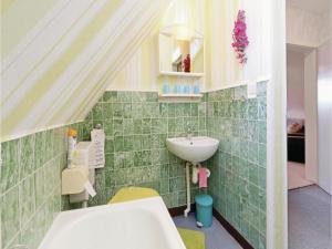 Apartment Friedr.-Ludw. Jahn Str X, Apartments  Ostseebad Koserow - big - 12
