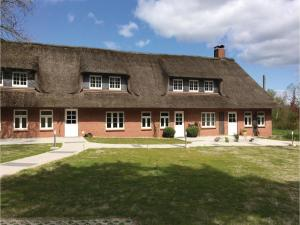 Two-Bedroom Holiday Home in Langenhorn - Drelsdorf