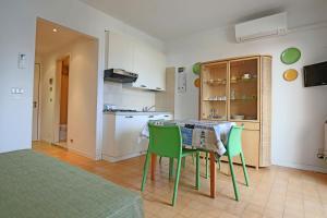 Residence Selenis, Apartmány  Caorle - big - 13