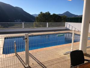 Casa con piscina e impresionantes vistas