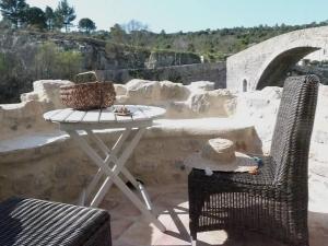 . House La France -Ramparts & Riverside Apartment