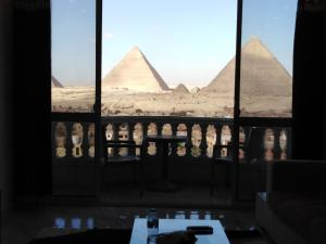 Welcome Pyramids
