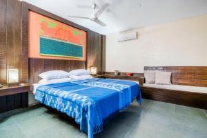 Riverside pool villa in Alto de Porvorim, Goa, by GuestHouser 65646, Vily  Macasana - big - 12
