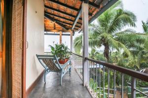 Riverside pool villa in Alto de Porvorim, Goa, by GuestHouser 65646, Vily  Macasana - big - 19