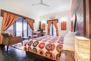 Riverside pool villa in Alto de Porvorim, Goa, by GuestHouser 65646, Vily  Macasana - big - 21