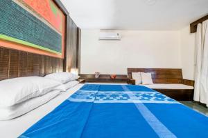 Riverside pool villa in Alto de Porvorim, Goa, by GuestHouser 65646, Vily  Macasana - big - 35