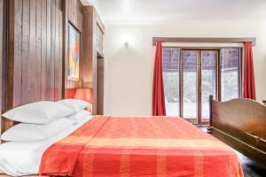 Riverside pool villa in Alto de Porvorim, Goa, by GuestHouser 65646, Vily  Macasana - big - 40