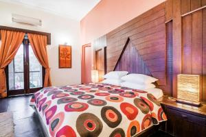 Riverside pool villa in Alto de Porvorim, Goa, by GuestHouser 65646, Vily  Macasana - big - 42