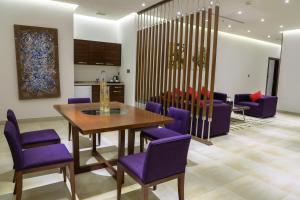 Q Suites Jeddah by EWA, Hotely  Džidda - big - 49