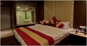 Hotel Aura, Отели  Нью-Дели - big - 47