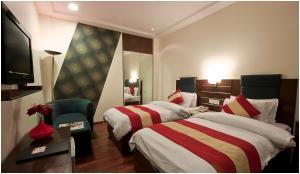 Hotel Aura, Отели  Нью-Дели - big - 71