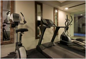 Hotel Aura, Отели  Нью-Дели - big - 105