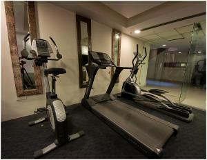 Hotel Aura, Отели  Нью-Дели - big - 35