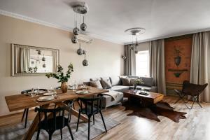 Fresco Apartment by Loft Affair