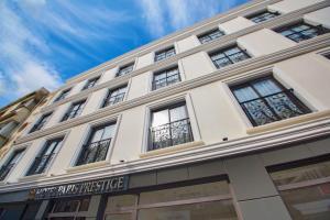 Hotel Paris Prestige, 35230 Izmir