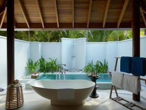 Dusit Thani Maldives (40 of 112)