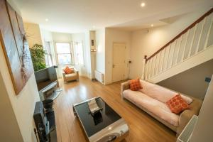Stylish, Spacious 3 Bedroom Townhouse - Galway