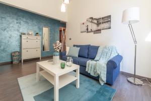The Blue-Sky Apartment - AbcAlberghi.com