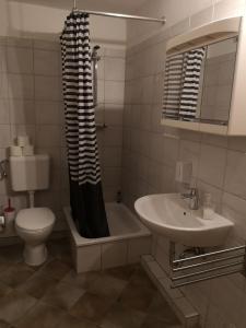 Pension zur Post, Apartments  Eutin - big - 15