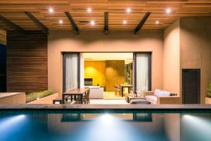 Atta 2-bd Suite OR Pool Penthouse