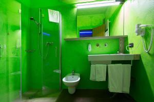 Ambienthotel PrimaLuna, Szállodák  Malcesine - big - 111