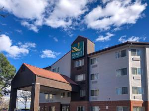 Quality Inn & Suites Denver International Airport - Hotel - Denver