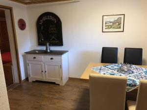 Spacious Apartment in St Niklaus near Mattertal Ski Area, Apartmanok  Sankt Niklaus - big - 17