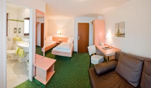 Hotel Gasthof Zum Rössle, Szállodák  Heilbronn - big - 29