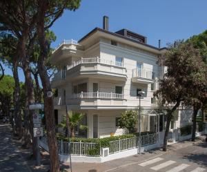 White Suite Riccione - AbcAlberghi.com
