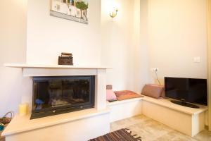 Maras Traditional Cottage by Corfu Escapes