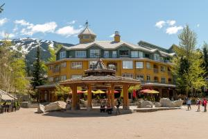 Bear Lodge (Town Plaza) - Hotel - Whistler Blackcomb