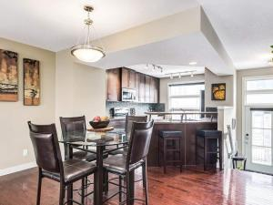 Gorgeous 3BR Townhouse Easy Access to Rockies & DT - Cochrane