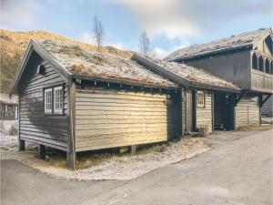 Three-Bedroom Holiday Home in Hovden - Hotel