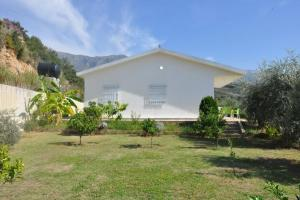 3 Bedrooms Holiday Home